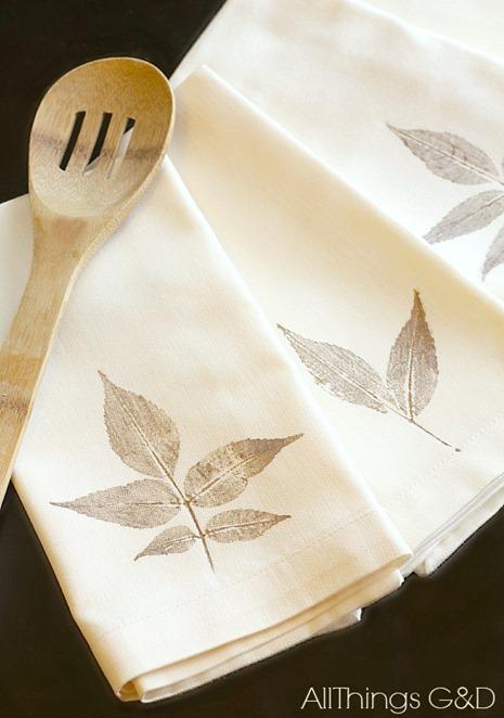 leaf print fall napkins
