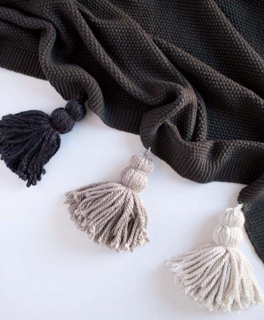 chunky yarn tassel