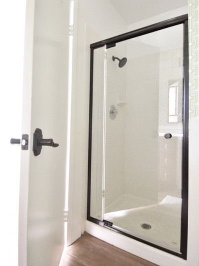 new-delta-shower-door1.jpg