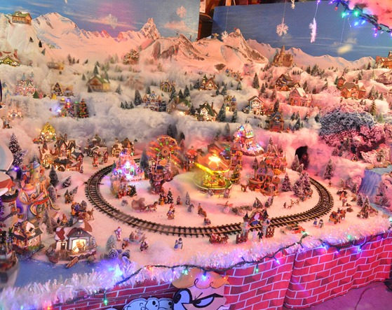 weaver christmas village