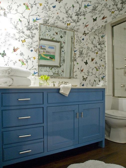 wallpaper in bathroom_thumb[1]