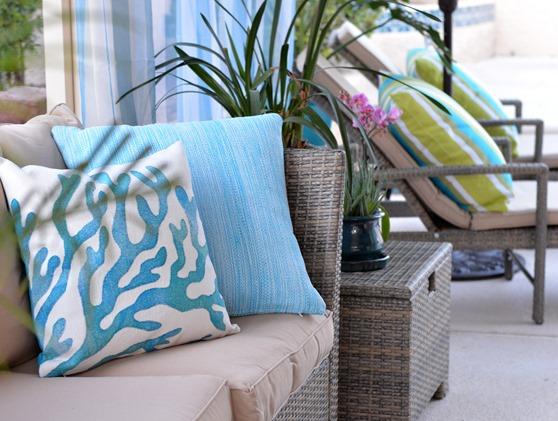 outdoor-pillows_thumb.jpg