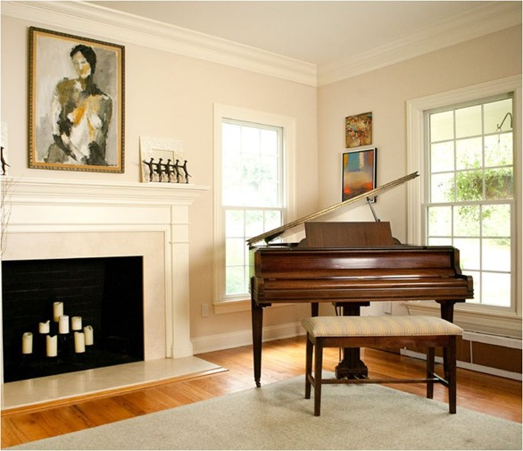 wood grand piano