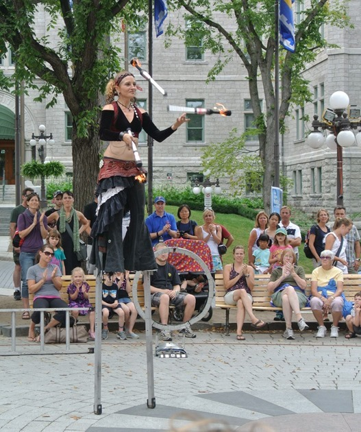 street performer quebec city (2)