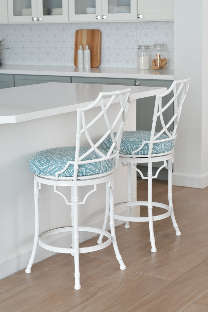 chippendale back barstools