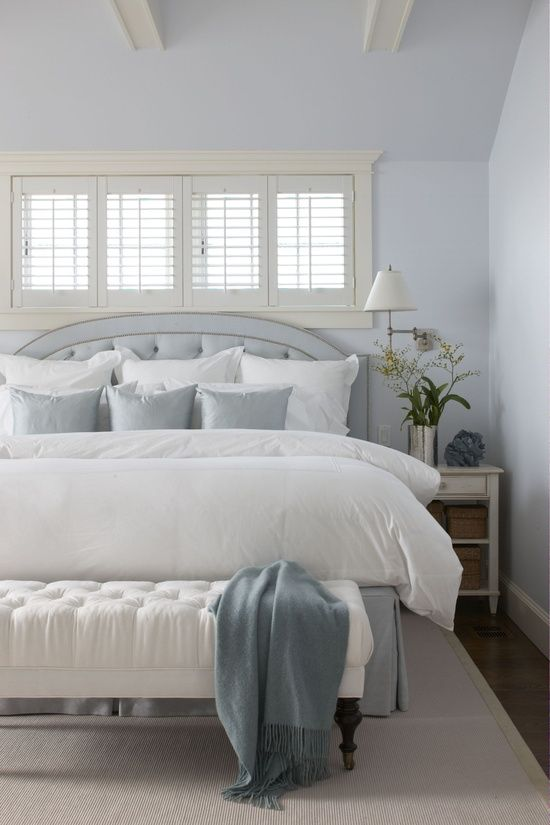 white duvet blue accent pillows