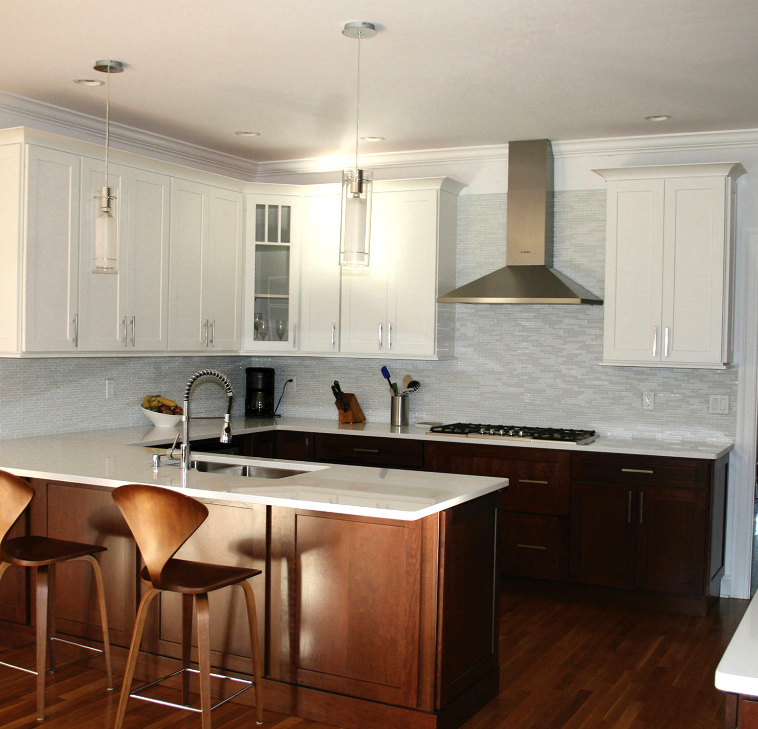 White kitchen upper cabinets for Upper kitchen cupboards
