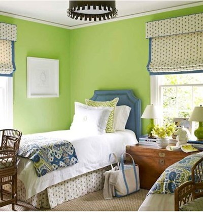 apple green paint in bedroom