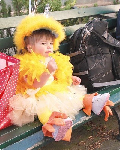 chick with lolly