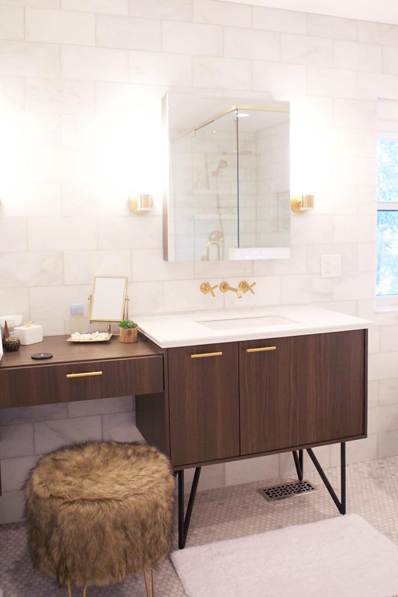 Botb centsational girl for Modern master bathroom vanities