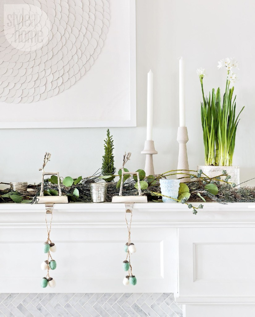 green and white mantel
