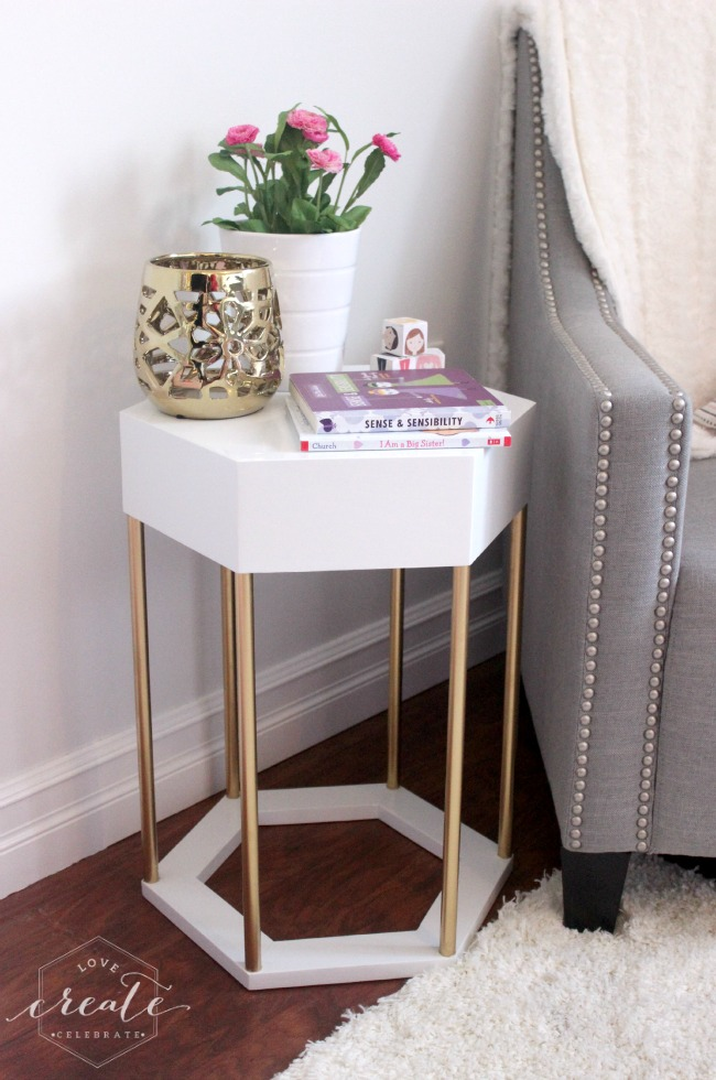 Build a chic white and gold hexagon side table with Lindi's plans at ...