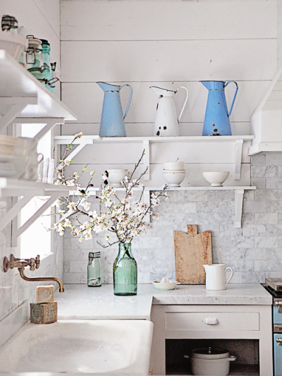 dreamy whites farmhouse kitchen
