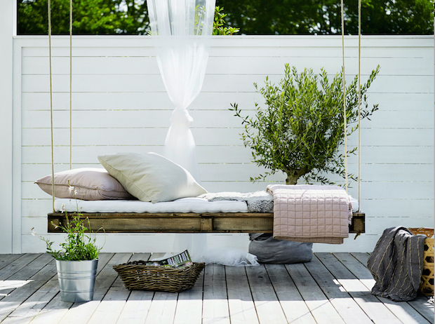 hanging daybed