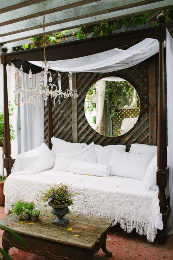 Daydreaming Outdoor Beds