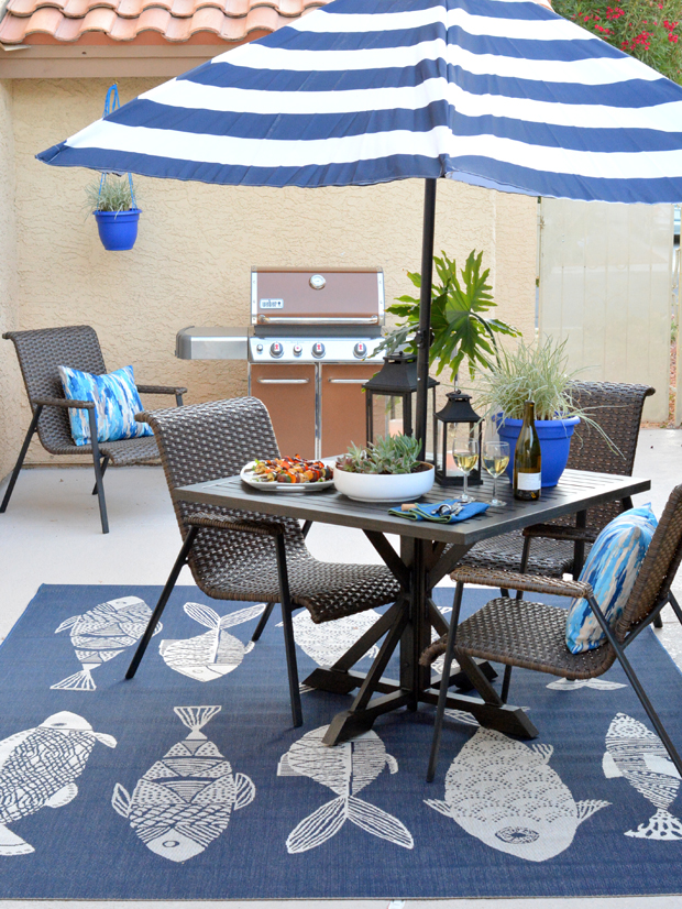 patio blue accents