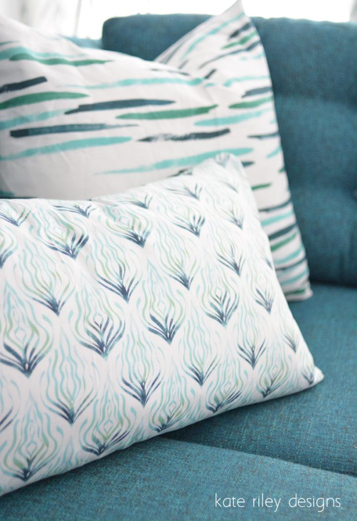 blue kelp ombre pillow