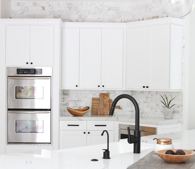 black-faucet-white-kitchen