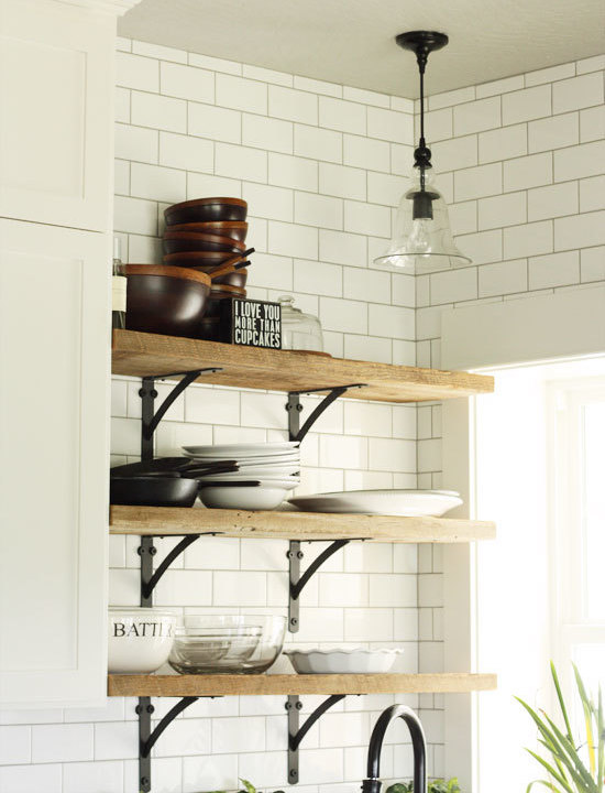 black-kitchen-brackets