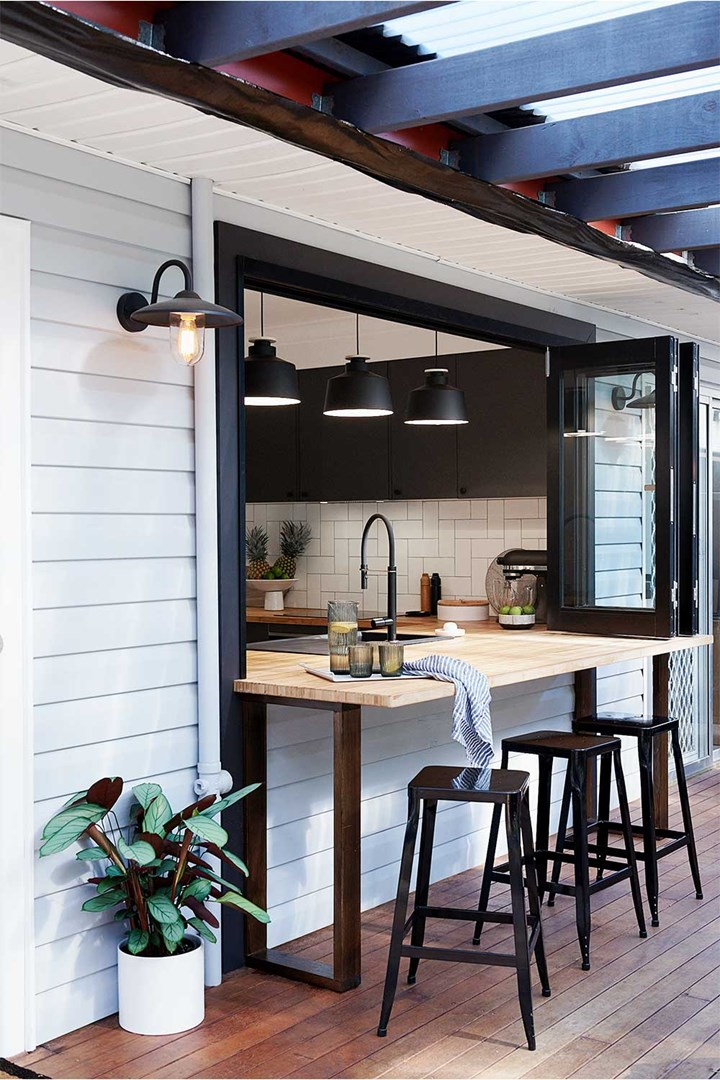 Barra de bar de ventana de estilo industrial
